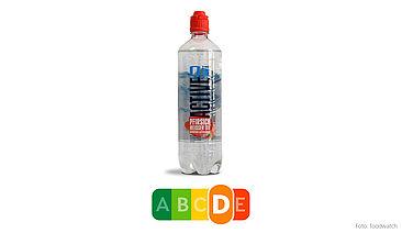 Das Active 02 von Adelholzener kommt leicht und sportlich daher – der Nutri-Score zeigt jedoch auf einen Blick, dass dieses Getränk aufgrund des hohen Zuckergehalts keineswegs ein gesunder Durstlöscher ist.