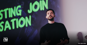 Robert Kosinski, Director Content & Social Media bei der Agentur Jung von Matt/Sports bie seinem Vortrag auf dem EGYM Kongress 2020
