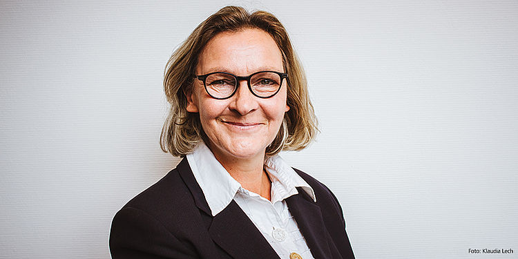 Iris Borrmann - Rechtsabteilung des DSSV