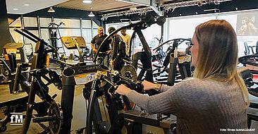Testen und netzwerken bei HOIST Fitness in Köln.