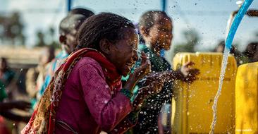 Trainiere mit uns und hilf mit, das Leben von Tausenden von Kindern zu verbessern.