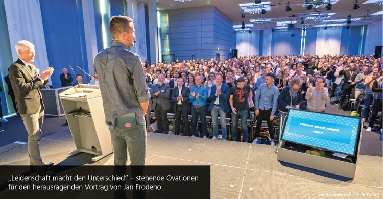 Alle Augen auf den Ironman Weltmeister: Jan Frodeno beim Aufstiegskongress 2019 in Mannheim