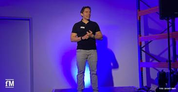 Wolf Harwath auf der milon Hausmesse 2020 bei seinem Vortrag '50 ist das neue 30'