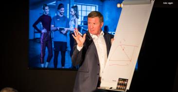 Trainer und Betreiber müssten sich auf das Wesentliche –also die Kundenbetreuung – konzentrieren undbetriebswirtschaftlich arbeiten, sagteeGym Campus Botschafter MarioGörlach beim Launch-Event in der eGym Zentrale in München.