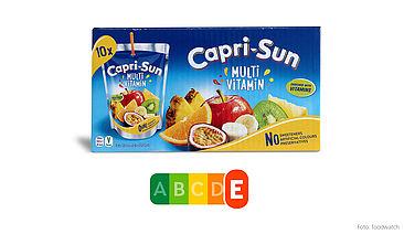 Zwar sind bunte Früchte prominent auf der Verpackung abgebildet – die Capri Sun Multivitamin enthält jedoch lediglich 12 Prozent Frucht und dafür ganze 9 Prozent Zucker, somit auch reichlich Kalorien – daher wird sie mit dem schlechtesten Nutri-Score 'E' bewertet.