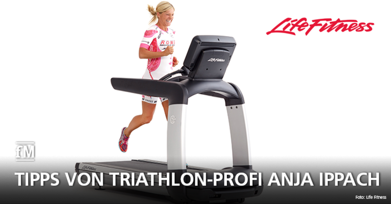 Tipps von Triathlon-Profi Anja Ippach: Auf dem Platinum Club Series Laufband von Life Fitness absolviert sie vor allem Intervallprogramme. So kann sie effektiv trainieren und ihre Leistungsentwicklung verfolgen