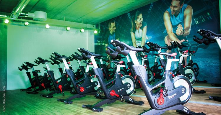 Fachartikel von Anna Weinmann über die Vor- und Nachteile der Digitalisierung in der Fitness- und Gesundheitsbranche.