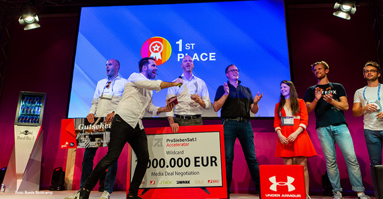Zehn Startups kämpfen vor der Jury um eine Million Euro Werbebudget, einen Platz im Co-Working Space des Burda Bootcamps in München und die Nutzung des umfassenden Netzwerkes von Hubert Burda Media.