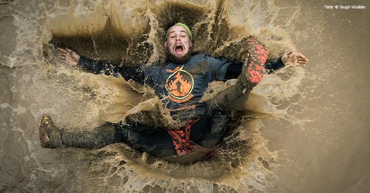Die Saison des Extrem-Hindernislaufens hat wieder begonnen – Matsch und Teamgeist stehen beim Tough Mudder im Mittelpunkt.