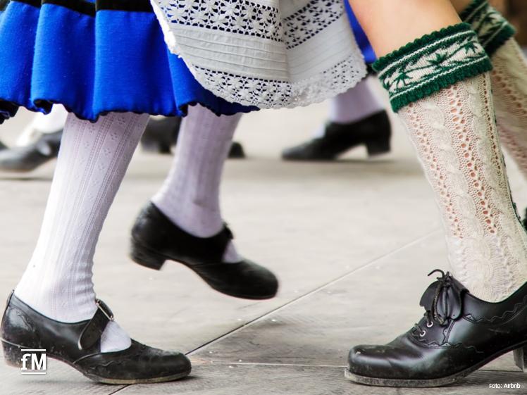 Tanzen auf bayerisch: Lerne in München Schuhplattln und Polka tanzen – bayerische Tradition zu Wiesn-Hits.