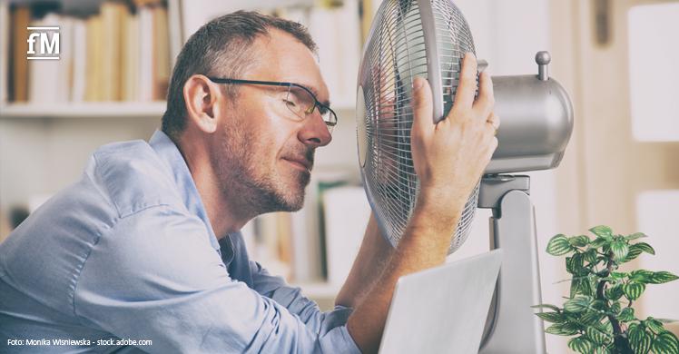 Ein Ventilator stößt bei den aktuellen Temperaturen an seine Grenzen: Bei Temperaturen von über 35 Grad Celsius raten Experten von dessen Verwendung ab.