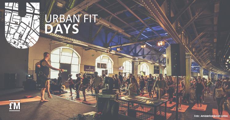 Trainer auf der Bühne bei den Urban Fit Days Berlin.