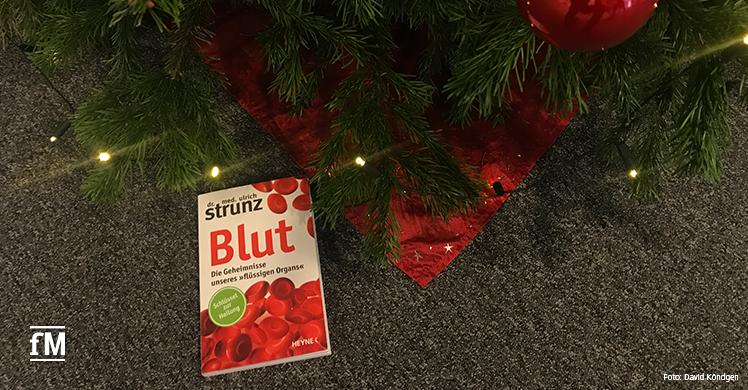 Ein Buch unter dem Weihnachtsbaum: Unser Buchtipp 'Blut' von Bestsellerautor Dr. med. Ulrich Strunz